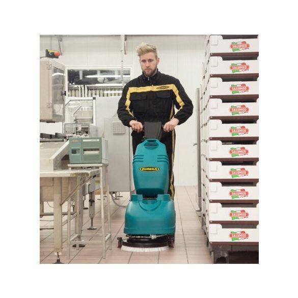 Eureka E36 B ipari padlótisztító gép (akku+töltő+kefe+szívógumi)