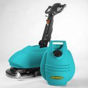 Eureka E46 C kábeles ipari padlótisztító gép női gépkezelővel