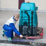 Eureka E85 vezetőüléses ipari padlótisztító gép (ECO vízvisszaforgató rendszerrel)