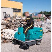 Eureka Rider 1201 EB akkumulátoros seprőgép kültéren seper